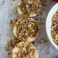 Baked Apples with Granola Crunch-Baked Apples with Granola Crunch