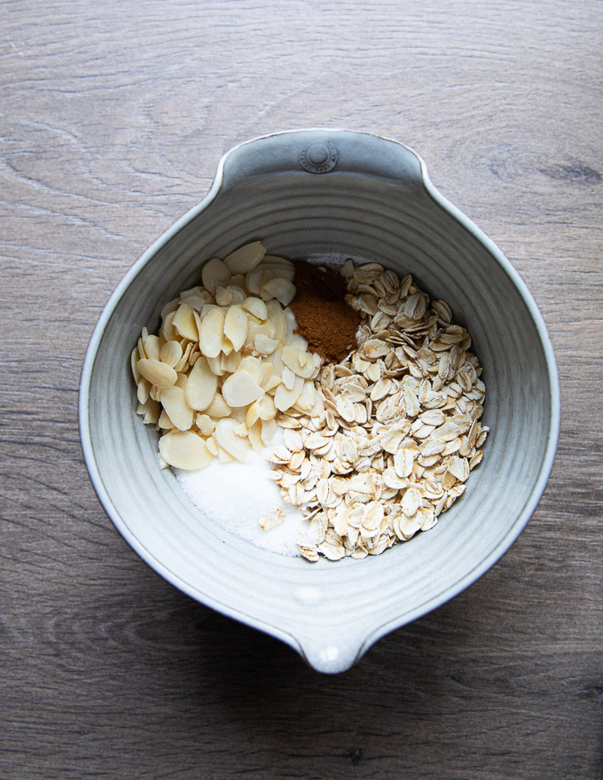 Ingredients for crunch topping: oats, cinnamon, almonds, sugar.